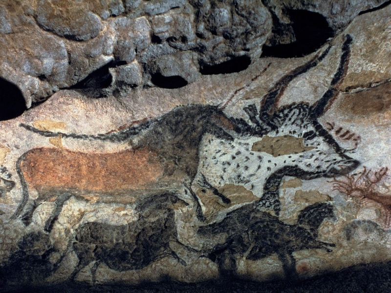 the lascaux cave essay Are unicorns real this photo by sacred destinations shows a cave wall painting depicting an unknown animal that has been called the unicorn in 1940, the discovery of the lascaux stone age cave paintings near brive la gaillarde in southwestern france revolutionized the way humans conceived of our ancient ancestors.